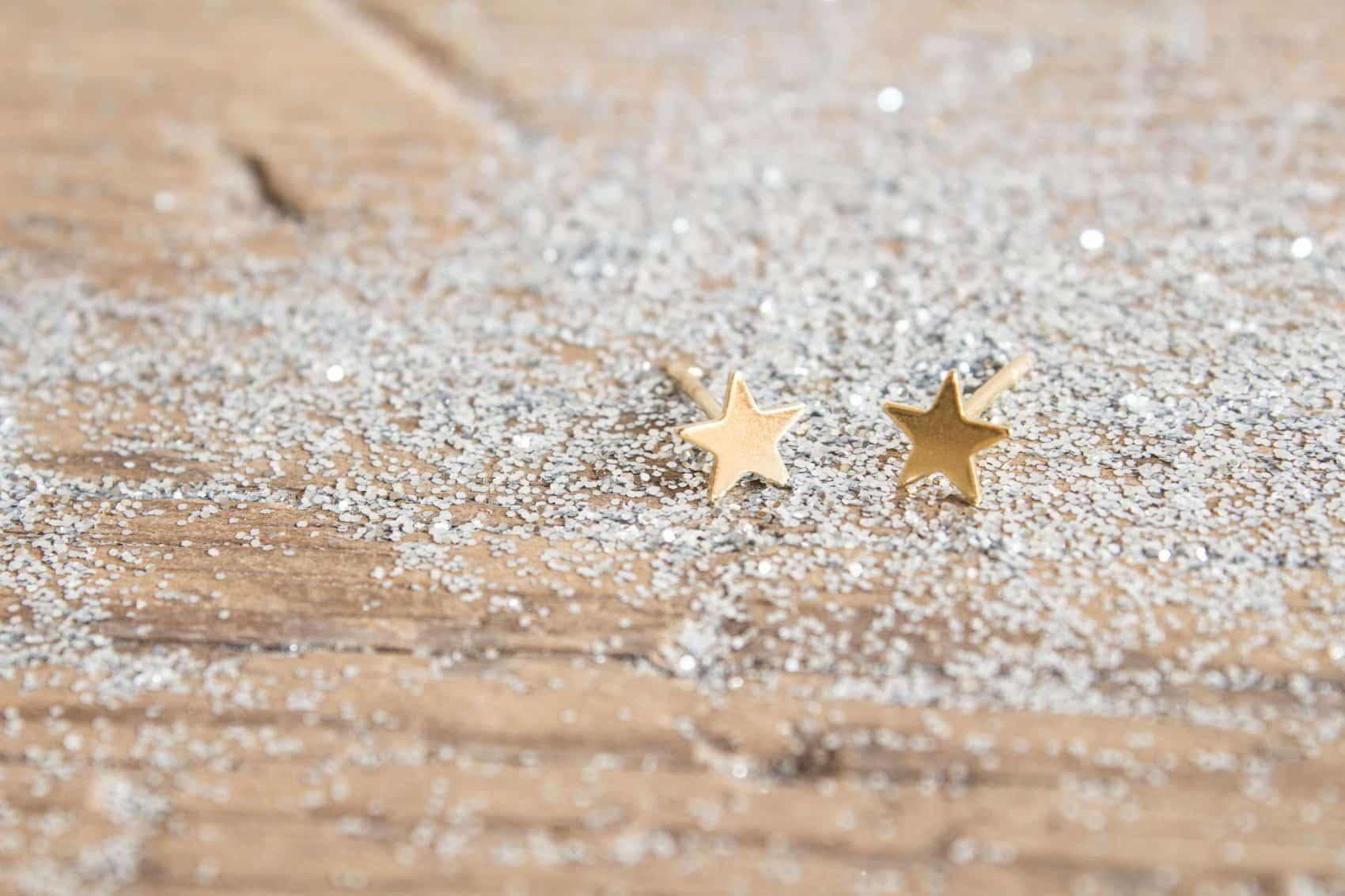 """Pendientes Estrella Stardust """"Somos polvo de estrellas"""" (Carl Sagan) de Fauna y Flora Joyería inspirada en el Universo"""