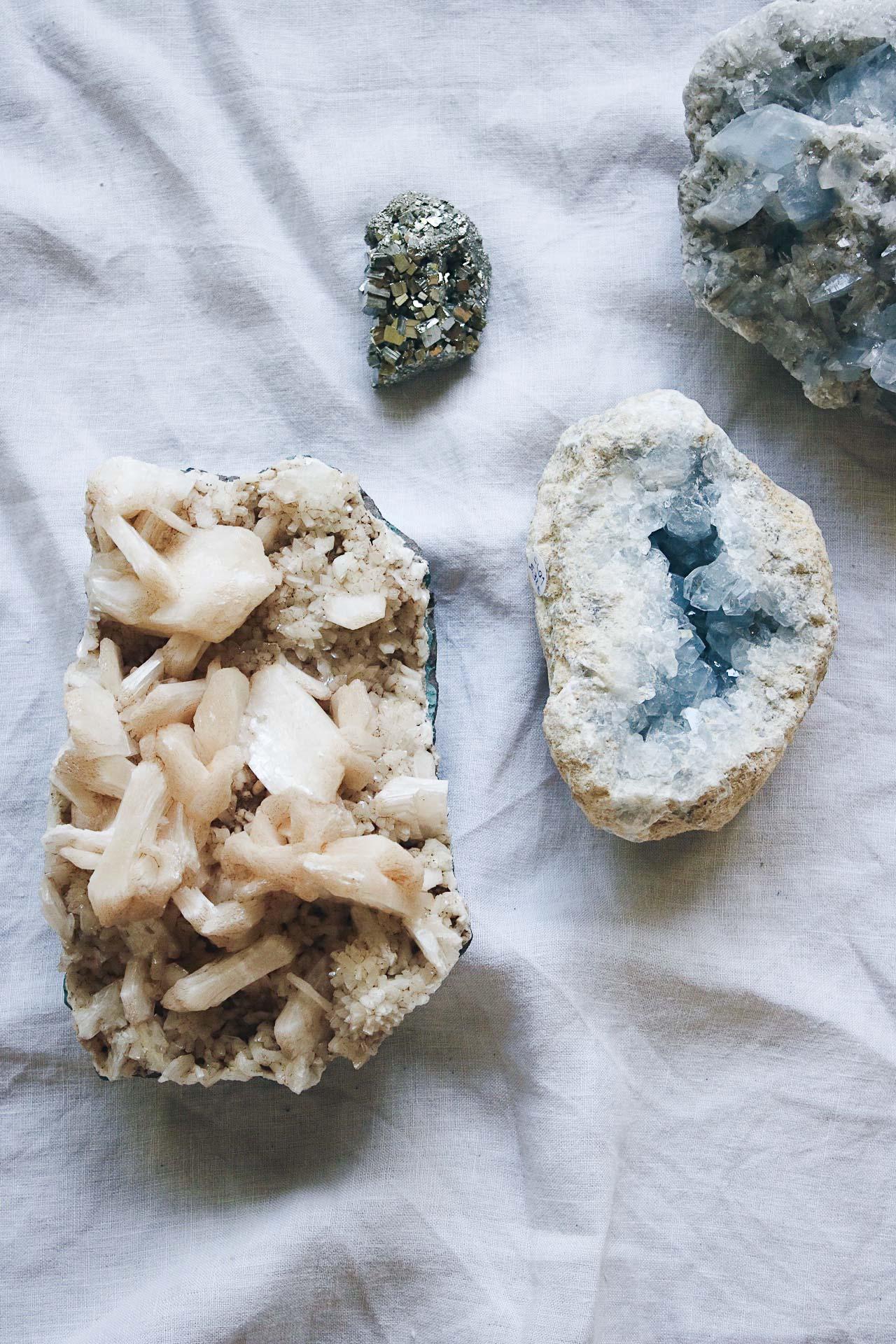 Minerales Celestina Drusa Geoda Pirita Heulandita Selected Crystals