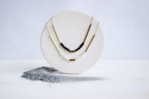 Colgante Sideral Disponible en Jade Blanco y Cristal de Aventurina. Chapado en oro de 18kt Fauna y Flora
