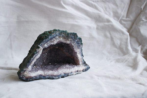 Geoda de Amatista minerales Selected Crystals de Fauna y Flora