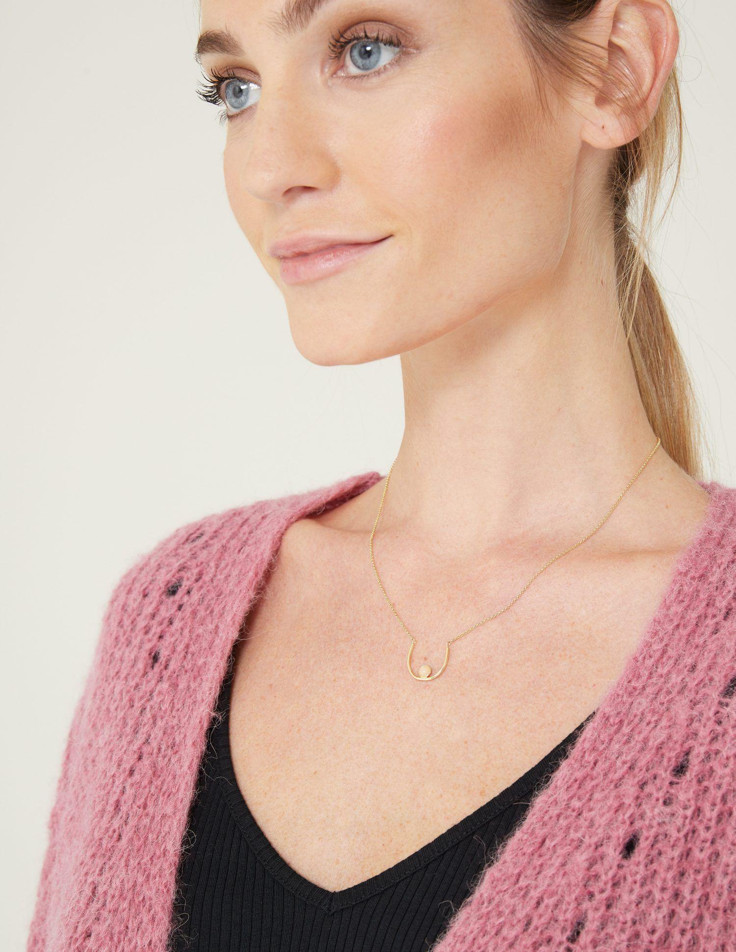 Collar Mama diseñado por Fauna y Flora para Yerse campaña solidaria Súmate al Rosa contra el Cáncer de Mama