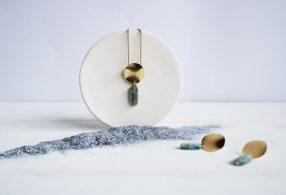 Conjunto collar y pendientes de cianita de Fauna y Flora